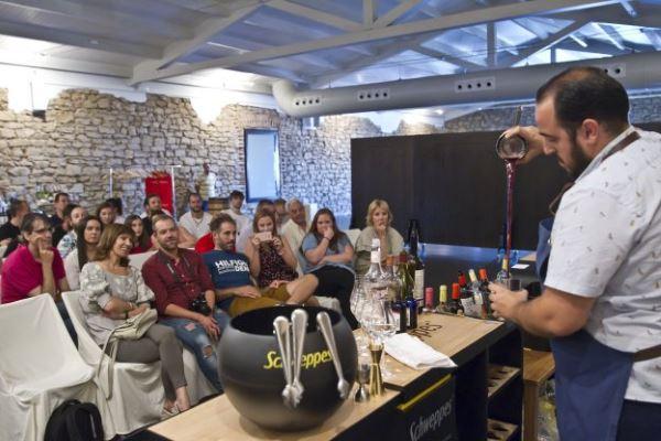 La coctelería riojana reivindica el uso del vino