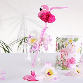 Słomki w kształcie flamingów - idealny dodatek do panieńskich drinków
