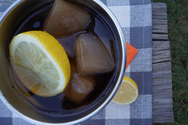 Make flavored ice cubes with Minute Maid Lemonade and FUZE Iced Tea #RefrescaTuSummer