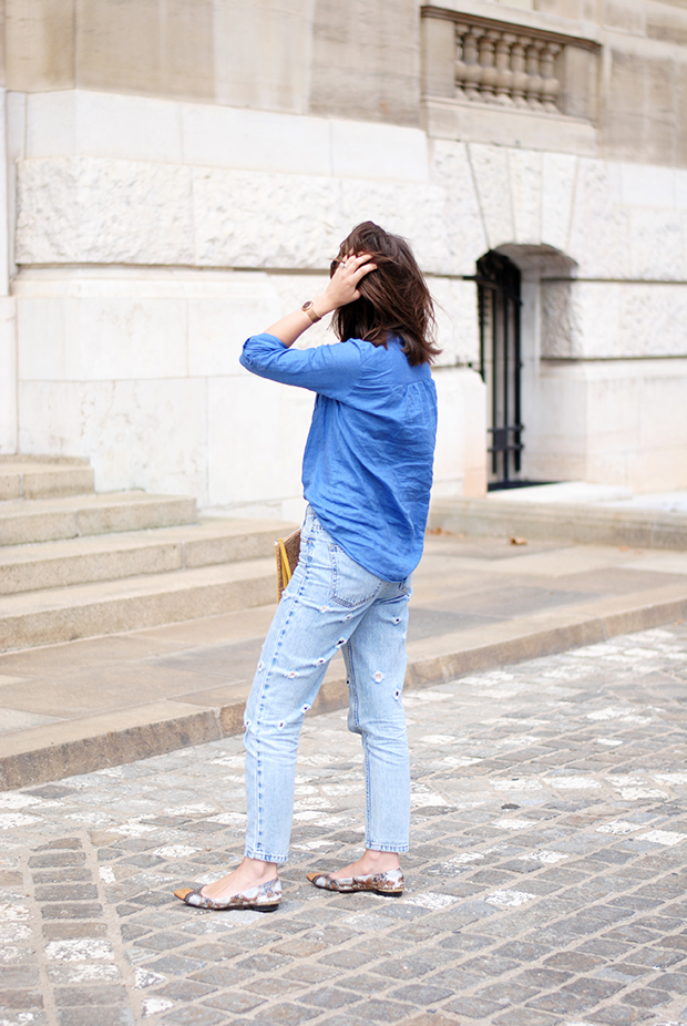 fashion blogger-styling mom jeans