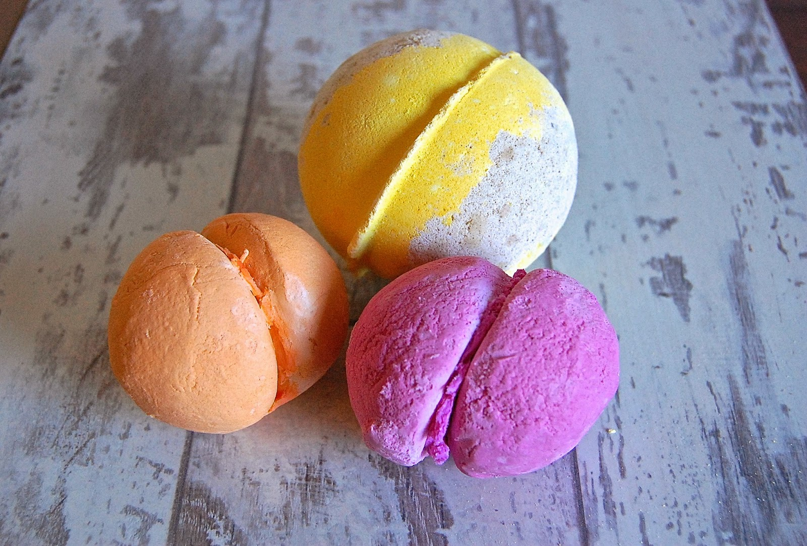 lush cosmetics, bath bomb, rose jam, bath, relax, bbloggers, running fox, afternoon tea, easter, skincare