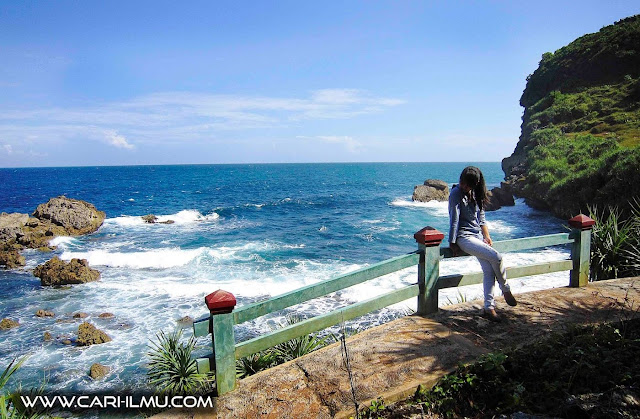 objek wisata pantai wonogiri