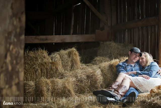 engagement photo hayloft