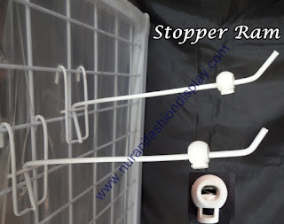 stopper hook wire mesh