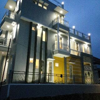 Villa di Kota Wisata Batu Exclusive | Villa Batu Softa B