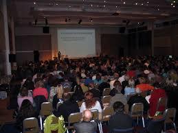 Pengertian, Manfaat dan Sikap yang Perlu Diperhatikan saat Diskusi