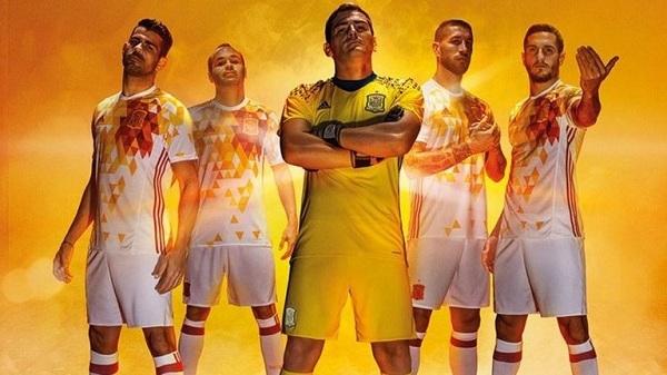Jersey Away Spanyol