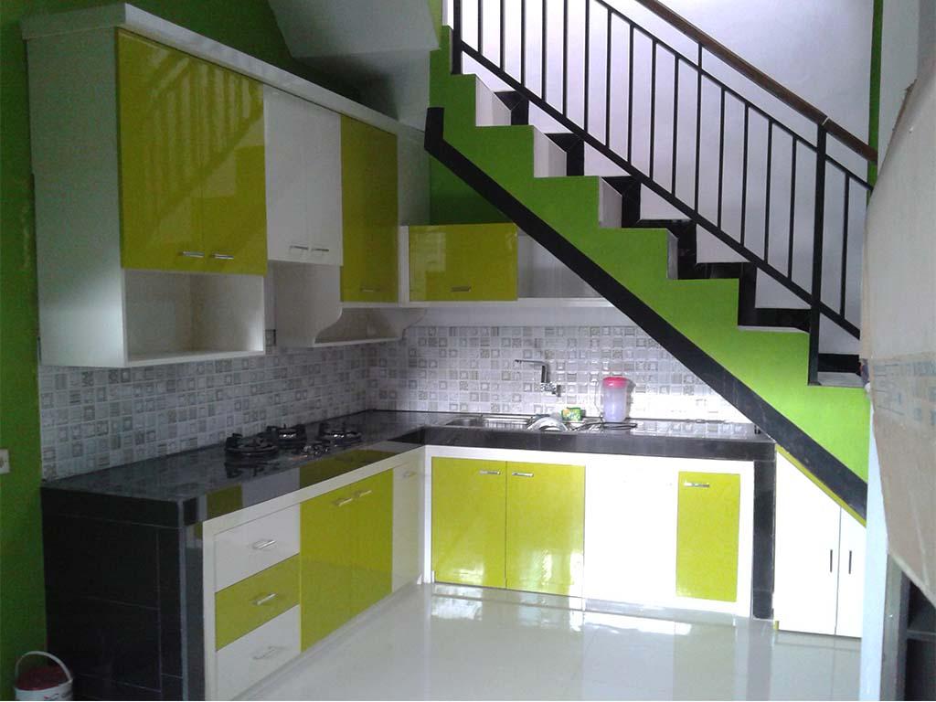 Kitchen Set Bawah Tangga Minimalis Tataomah