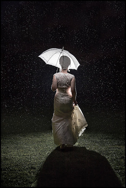 raining on your wedding day photography