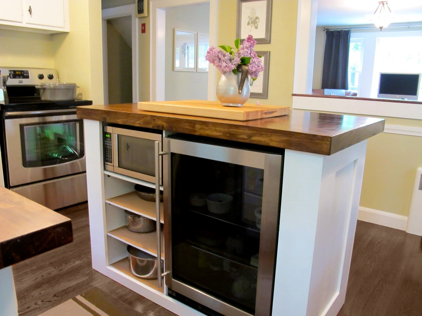 Splendid Small Kitchen Storage Cabinets That Can Be Useful