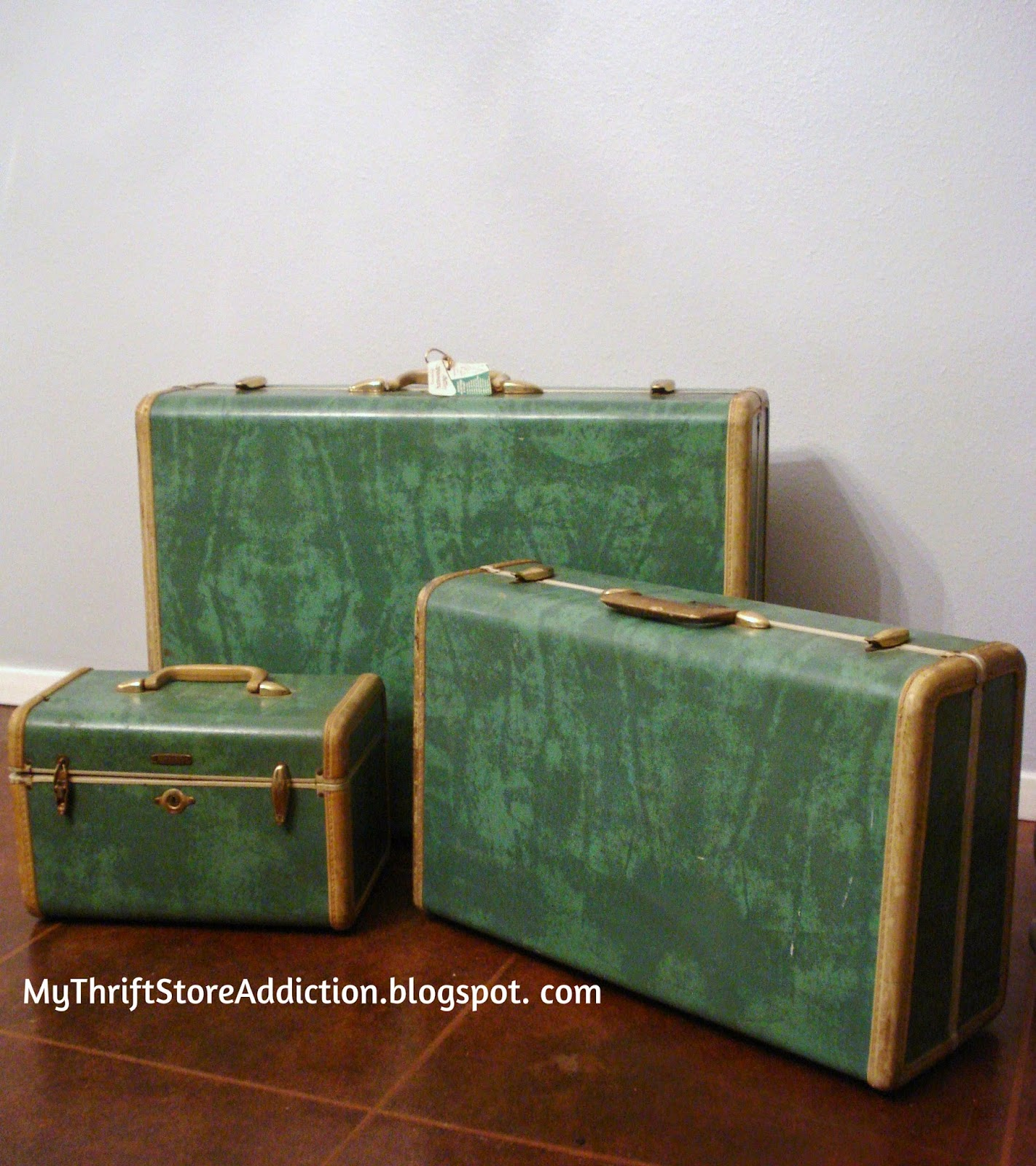 My Thrift Store Addiction : Friday's Find: Vintage Luggage