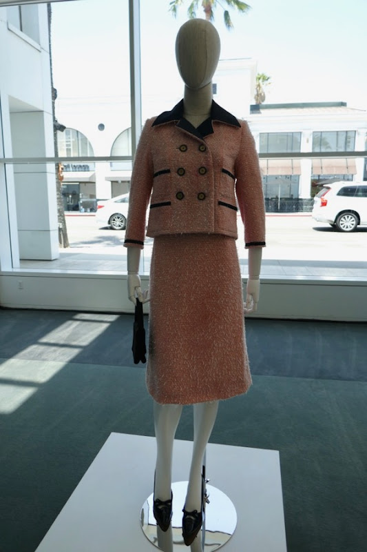 Jodi Balfour Crown season 2 Jackie Kennedy Chanel suit