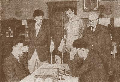Partida Forintos (Hungría) - Alschul (Checoslovaquia) del III Campeonato Mundial Universitario de Ajedrez - Uppsala 1956
