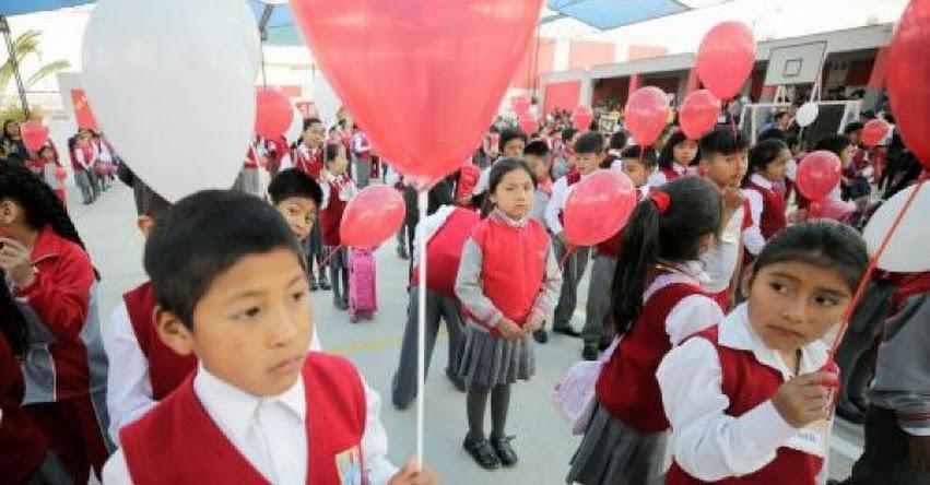Más de 200 mil escolares retornaron a clases en Arequipa
