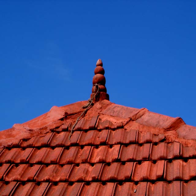 tiled roof doddabetta peak ooty