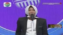 Komika Egik (Jombang) belum bisa bikin ngakak di Stand Up Comedy
