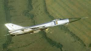 "Sukhoi Su-15 ""Flagon"" - Pesawat Interseptor Segala Cuaca Jarak Jauh"
