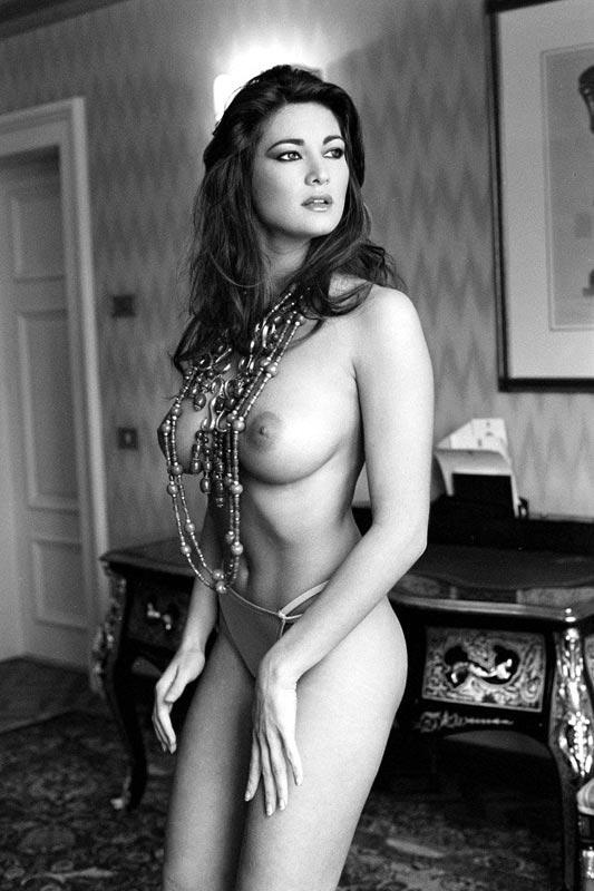 Manuela arcuri nude playboy it-1313