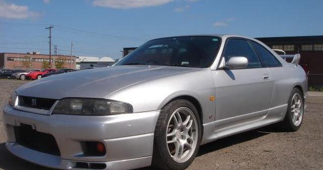 seized nissan skyline gt r r33 for sale on ebay vehicle import and car importing faq. Black Bedroom Furniture Sets. Home Design Ideas