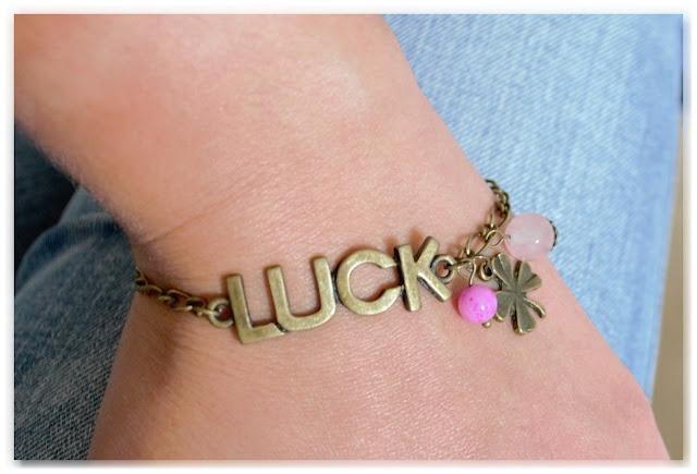 """bracelet gourmette """"luck"""" porté"""