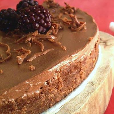 Pişmeyen çikolatalı  cheesecake tarifi nasıl yapılır kolay nefis videolu tatlı yemek tarifleri no bake dessert recipe delicious yummy tasty taste