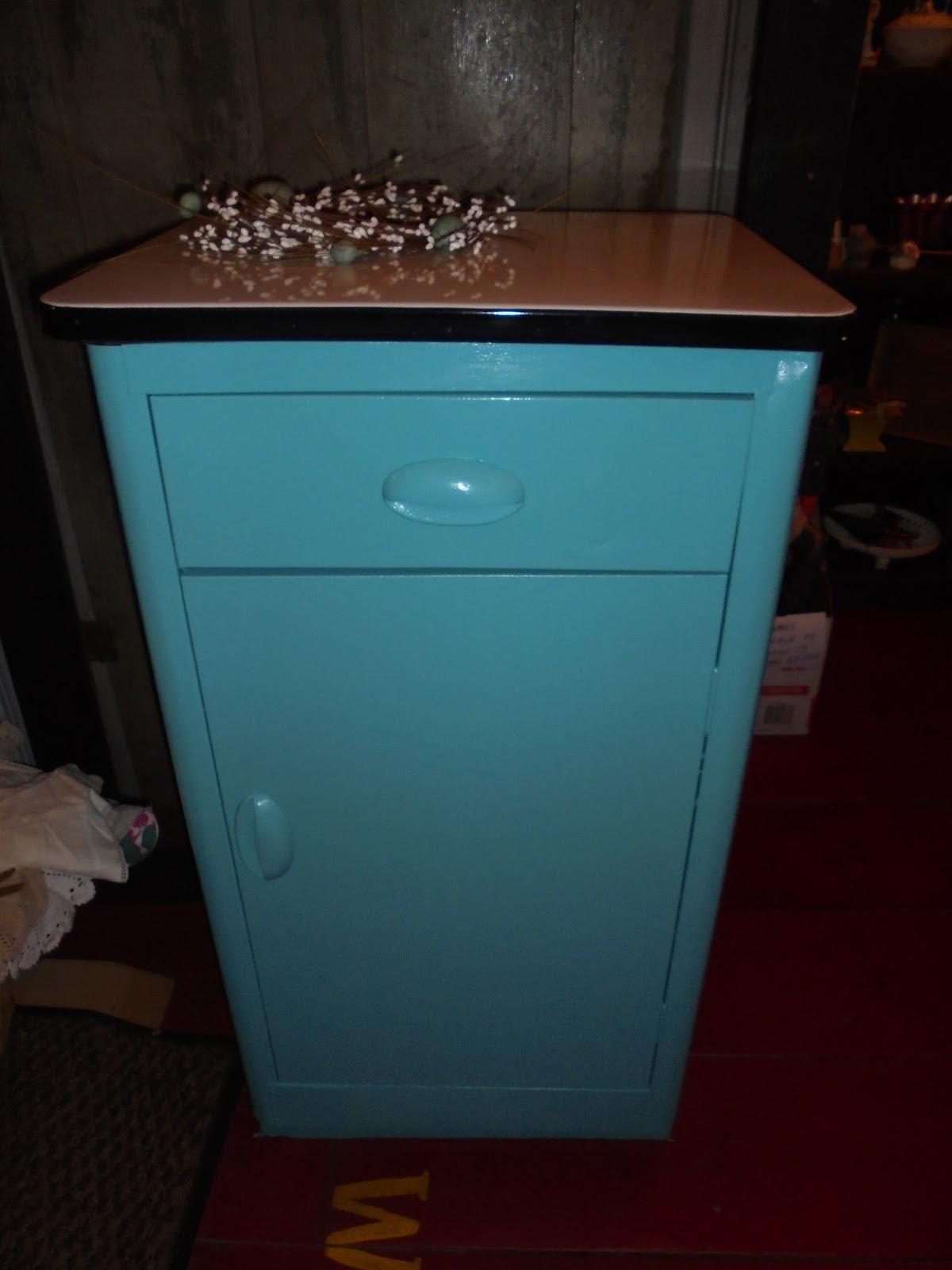 Log Cabin Antiques & Gifts: Enamel top kitchen cabinet