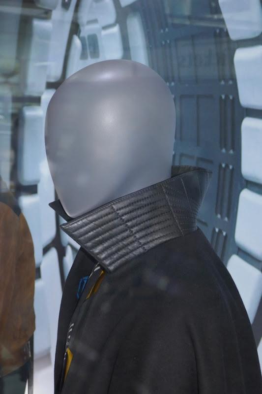 Solo Lando costume cape collar detail