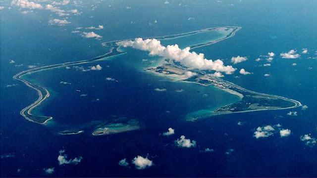 """EE.UU. practica la """"caza de submarinos"""" cerca de islas en cuya descolonización insiste la ONU"""