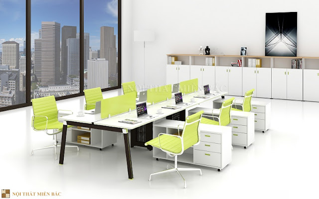 Mẫu bàn làm việc văn phòng này mang phong cách cá tính với mặt bàn là màu trắng tinh tế kết hợp với thiết kế chân màu nâu trầm ấn tượng