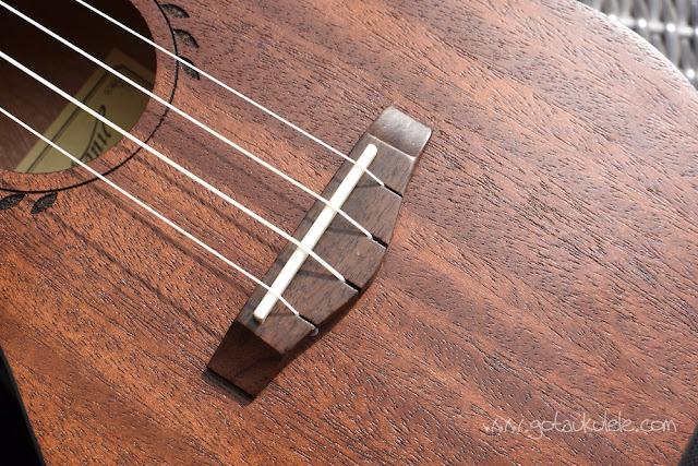 Makanu Mahogany Concert Ukulele bridge