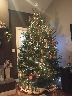 #millsnewhouse, Christmas decorating, Christmas tree