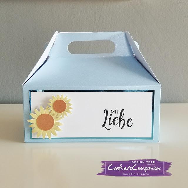 Kartenwerke: große Gablebox hergestellt mit dem Crafter's Companion Embossing Board Sweet Things