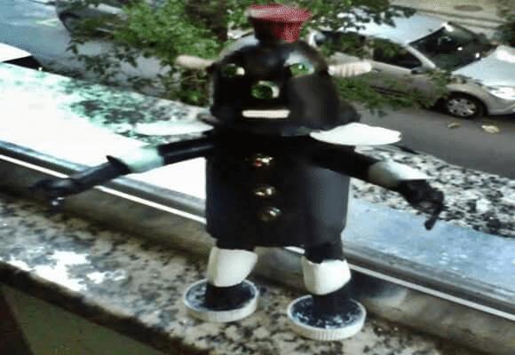 Curtir-Moço-Besouro-Negro