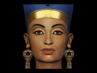 La prima evidenza archeologica dell\u0027uso dei cosmetici è stata individuata  nell\u0027Antico Egitto attorno al 4000 a.C. Il trucco sugli occhi era in uso in  tutta
