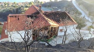 Ξεκινά την καταγραφή των ζημιών από τη μεγάλη φωτιά στη Μόλα Καλύβα ο Δ. Κασσάνδρας