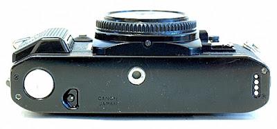 Canon A-1, Bottom
