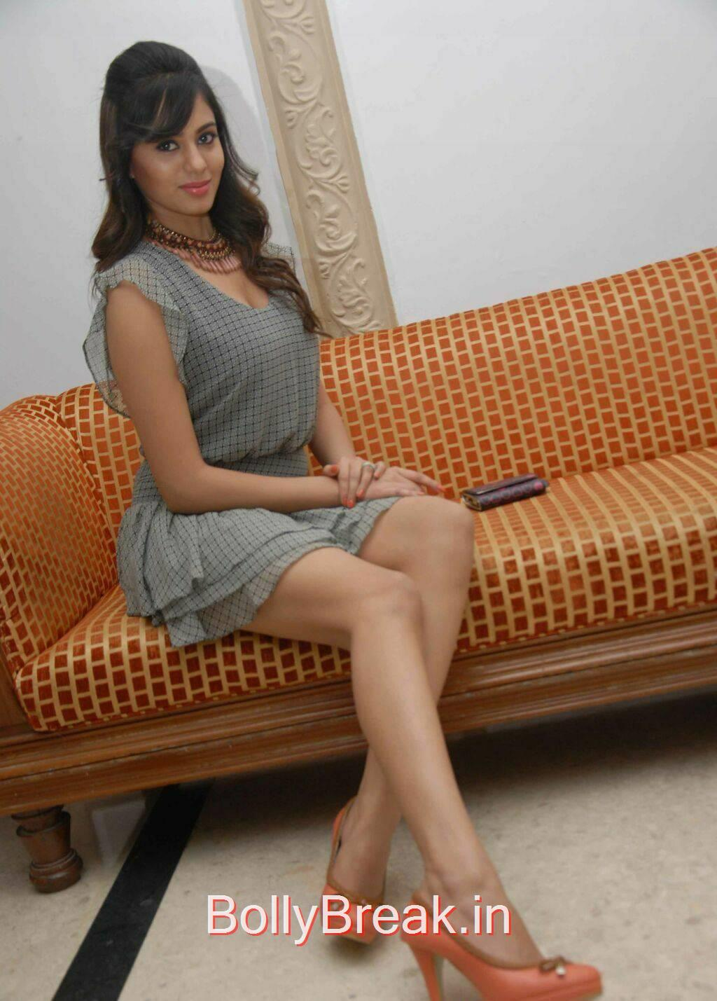 Deepa Sannidhi Photos, Deepa Sannidhi Hot Pics in Grey Colour Frock