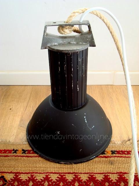 Lámparas industriales antiguas estilo vintage valencia.