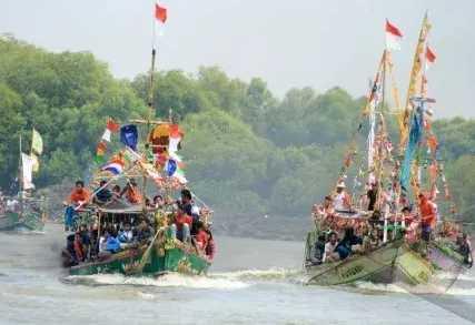 Uniknya Hari Nelayan Pelabuhan Ratu di Adat Sukabumi