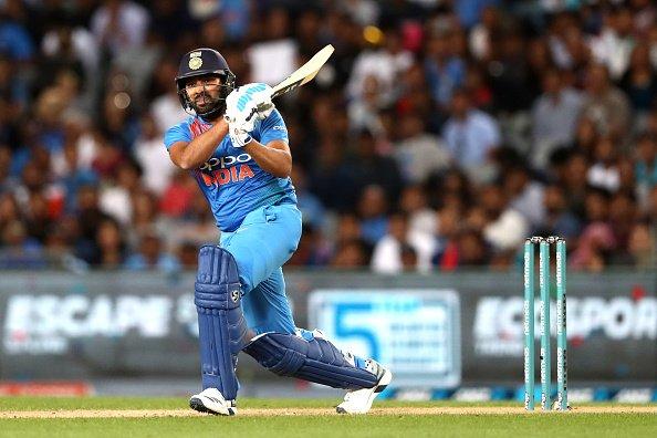 रोहित शर्मा T20 में तीसरा सबसे अधिक छक्का लगाने वाले बल्लेबाज बने
