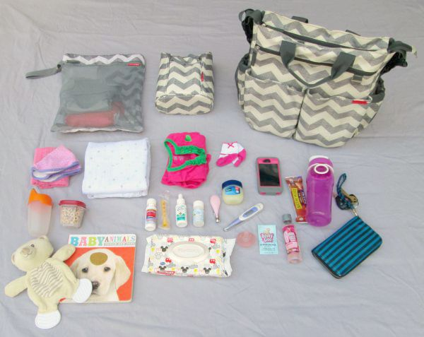 A Perfectly Packed Diaper Bag (plus tips for organizing your own diaper bag!) at LaurasPlans.com: Everything I put in my diaper bag