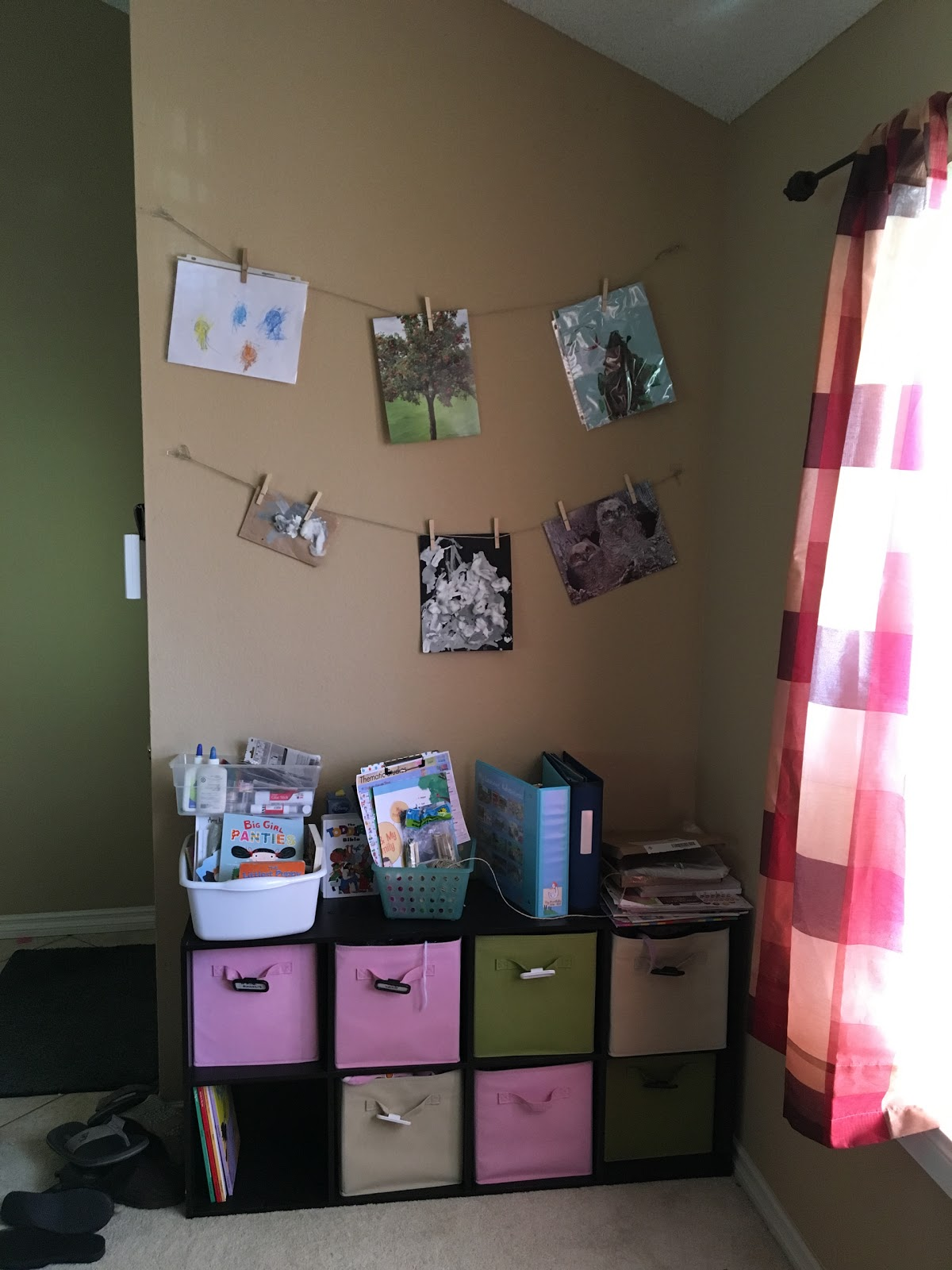 my kids are asleep a mom blog quick tutorial mess free. Black Bedroom Furniture Sets. Home Design Ideas