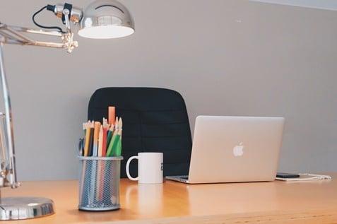 Perbedaan antara Desktop dan Laptop