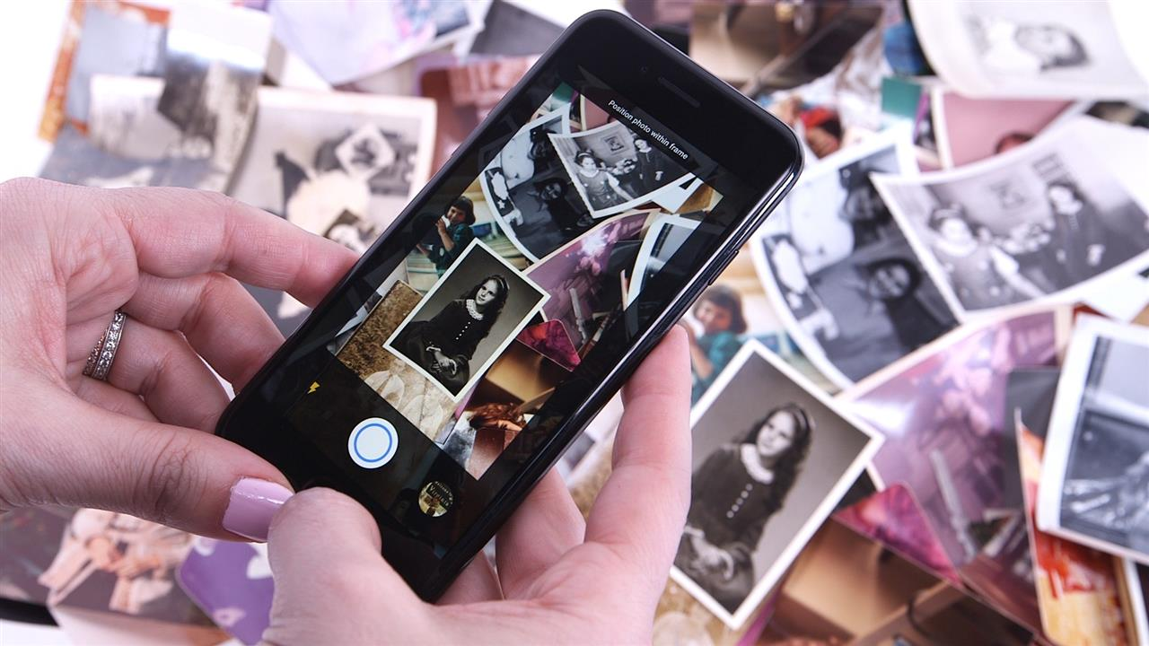 The Best Ways to Scan Old Photos [video]