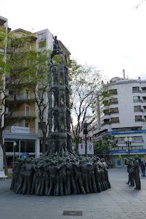 """Estatua de """"els Castellers""""."""