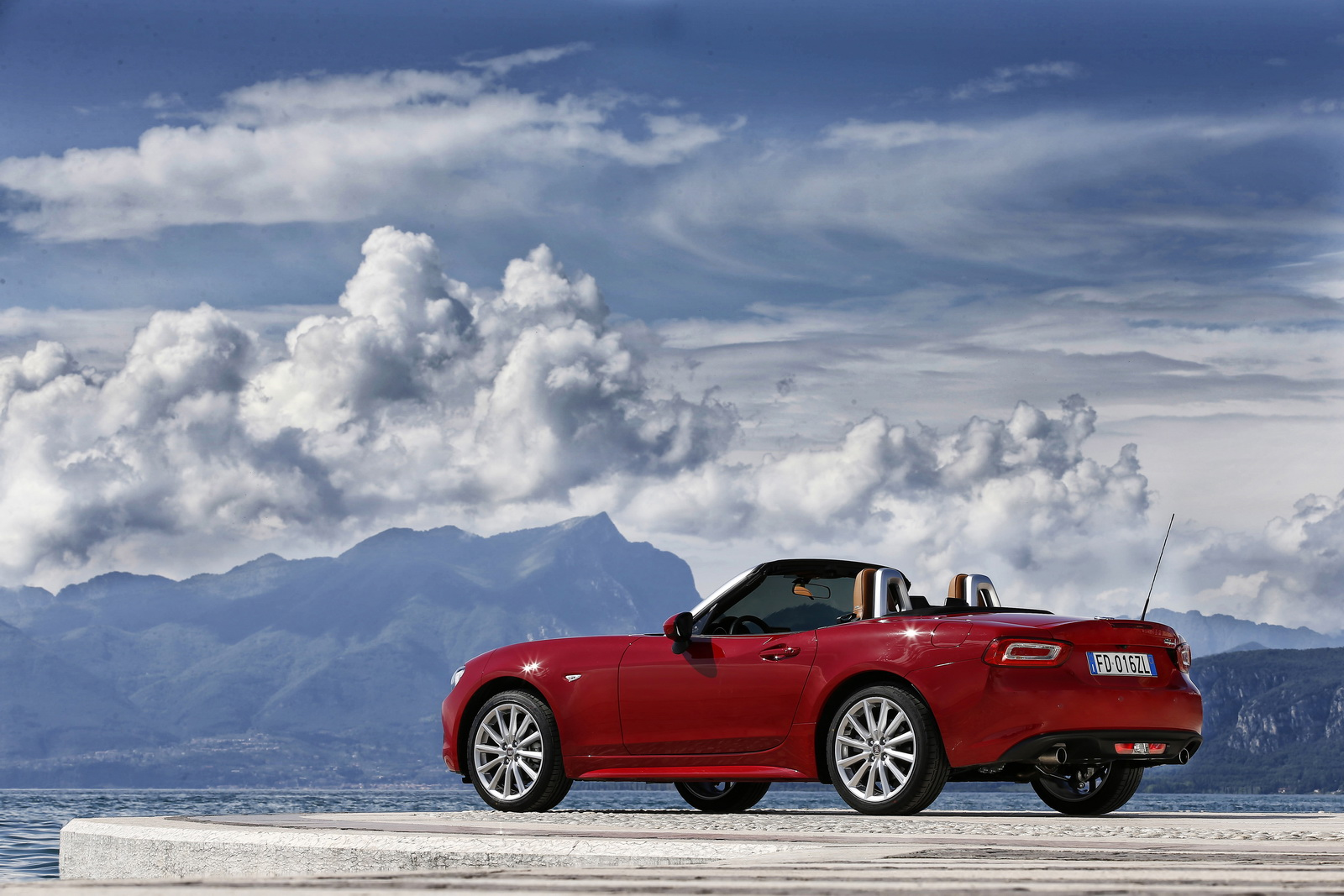 New Fiat 124 Spider ficially Launched In Europe 60