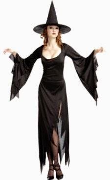 Foto de mujer con disfraz de bruja color negro