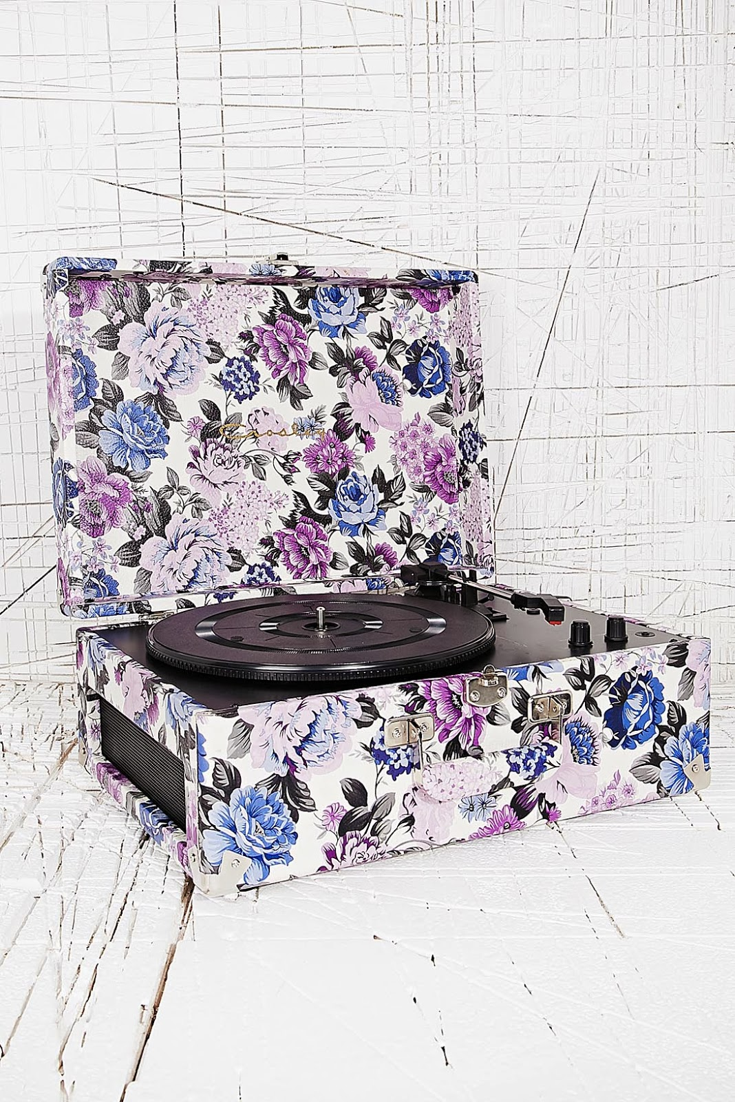 Domestic Sluttery: Girl, Put Your Records On: Crosley's Floral