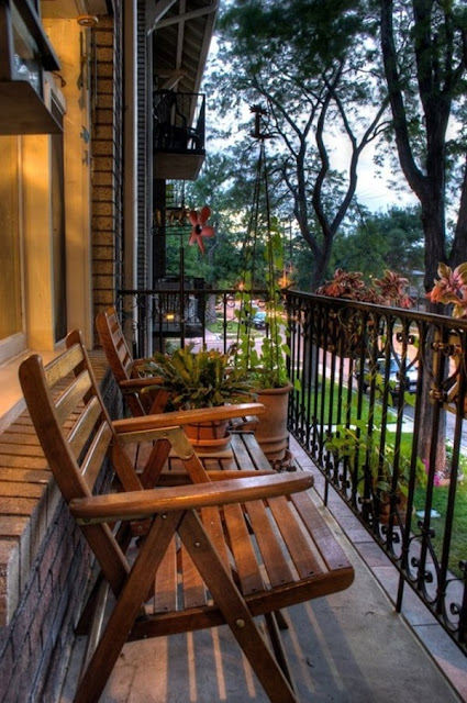 Ideas For Decorating Small Balconies 11