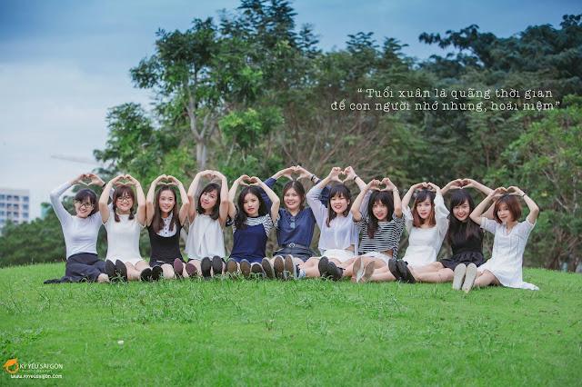 cách tạo dáng chụp ảnh kỷ yếu theo nhóm tại Sài Gòn